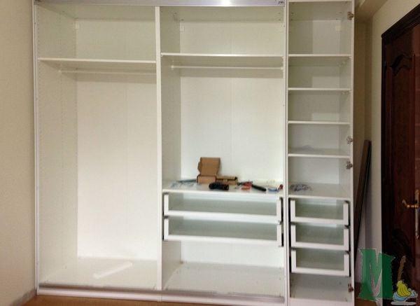 Foto armario de ikea de limpiezas marzoa 839696 for Puertas roperos empotrados ikea