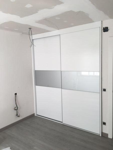 Foto armario empotrado 2 puertas correderas de planta 2 - Puertas correderas de armarios ...