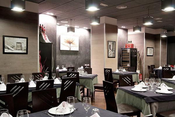 Foto arquitectos madrid 2 0 proyecto apertura simona for Restaurante escuela de arquitectos madrid