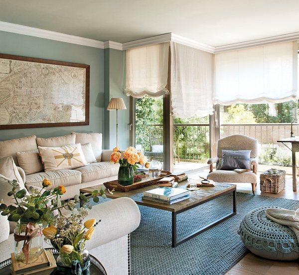 salón en verde y sofá blanco