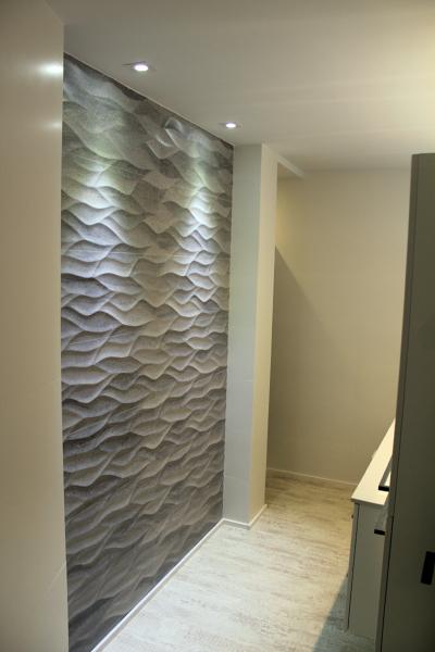 Foto azulejo imitaci n piedra de ideas interiorismo for Cera de hormigon para azulejos de bano