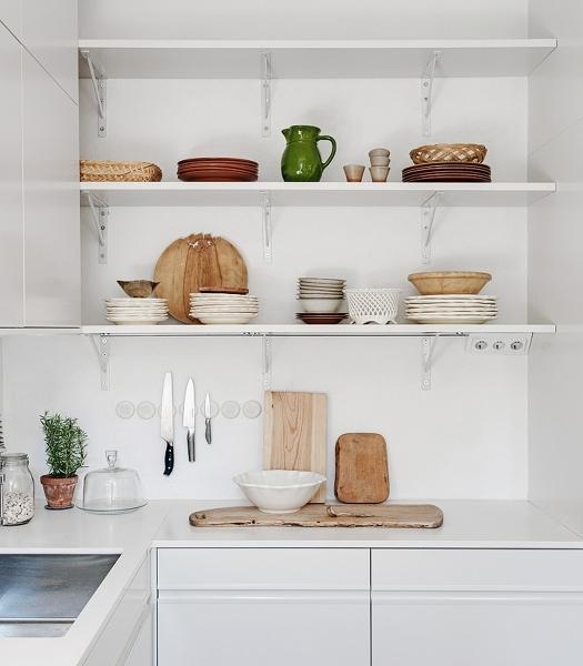 Foto baldas platos de miriam mart 961307 habitissimo for Soporte platos cocina
