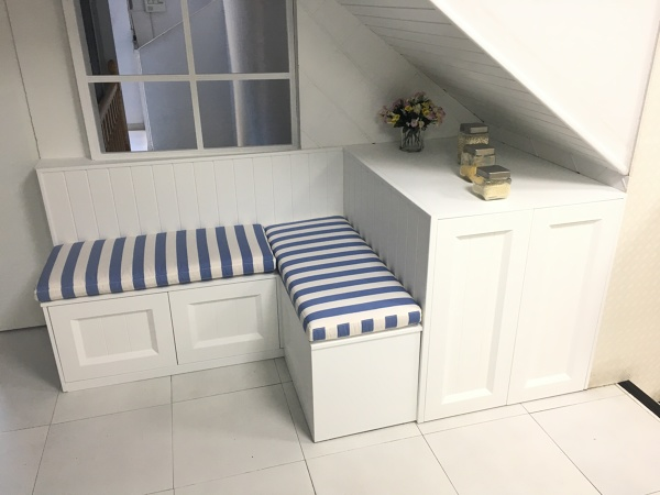 Foto banco cl sico de cocina lacado a medida de almi - Bancos esquineros para cocina ...