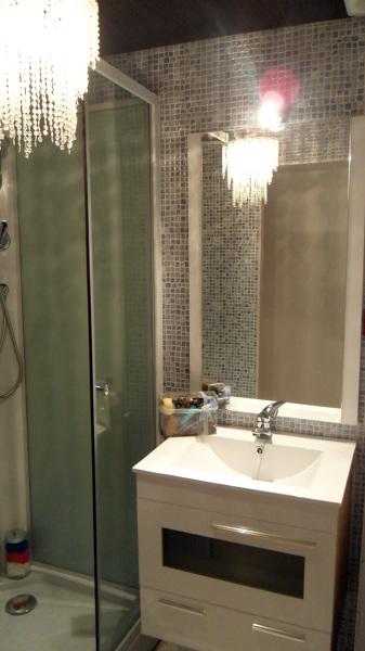 Baño con ducha - vivienda prefabricada