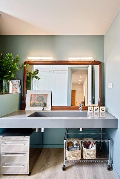 Foto: Baño con Espejo Antiguo de Lola Mulledy #1310945 ...