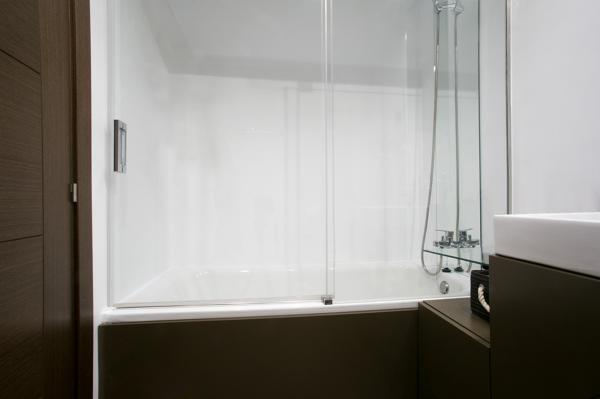 Baños Dormitorio Principal:Foto: Baño Dormitorio Principal de GrupoIAS Servicios Integrales de