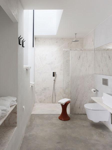 Foto ba o suelo y paredes microcemento de maribel - Aplicacion de microcemento en paredes ...
