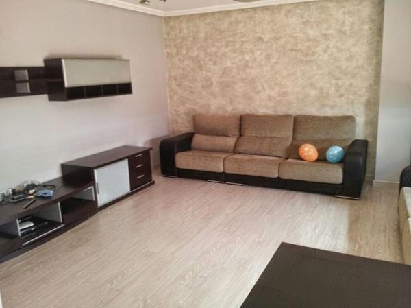 Foto bonito salon de mihogarok 1058603 habitissimo - Salones con parquet ...