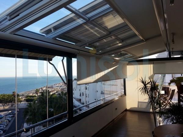 Foto cerramiento techo de cristal toldos cortina de for Techos moviles para terrazas precios