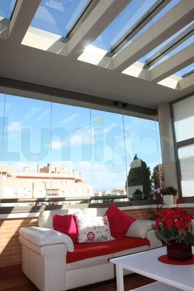 Foto cerramiento techo de cristal toldos cortina de cristal sin perfiles verticales tipo - Toldos en albacete ...