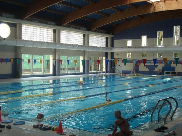 Foto climatizaci n de piscina semi olimpica con for Piscina olimpica castellon