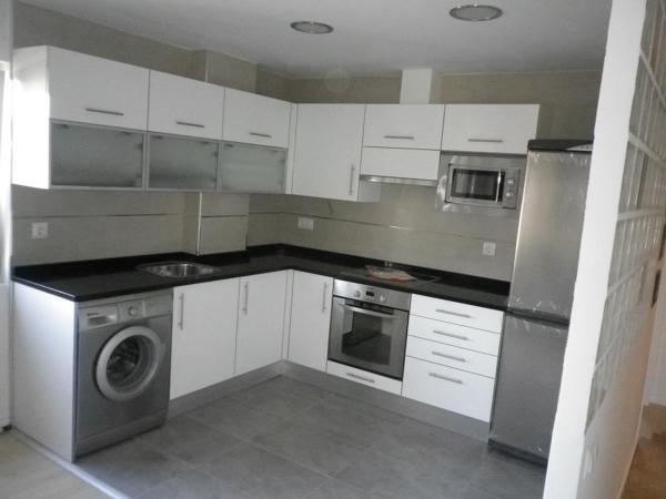 Foto cocina abierta al sal n de consrees 563143 for Cocina abierta modelo salon