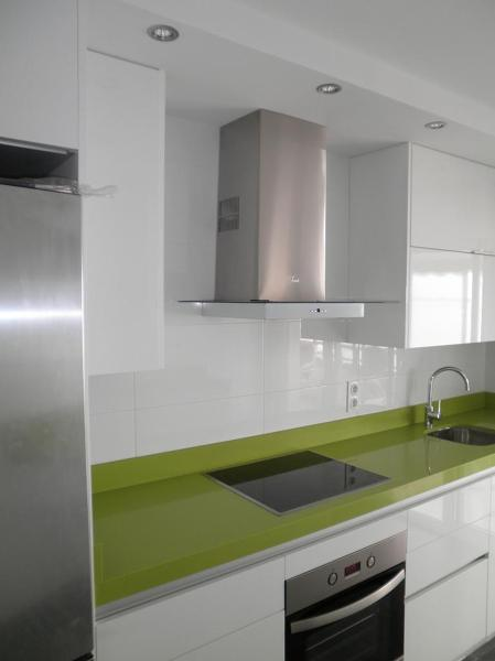 Foto cocina campello de ideas quality reformas alicante for Cocinas quality