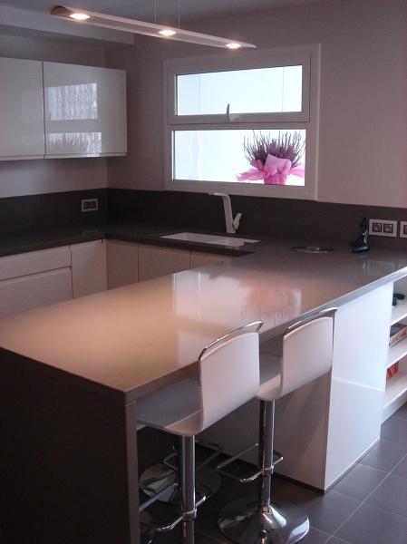 Foto cocina con encimera mesa de shaco mocuba 952170 for Mueble mesa cocina