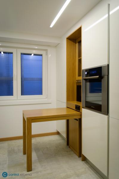 Foto: Cocina Pedini - Mesa Extraíble de Control Reforma #1524094 ...
