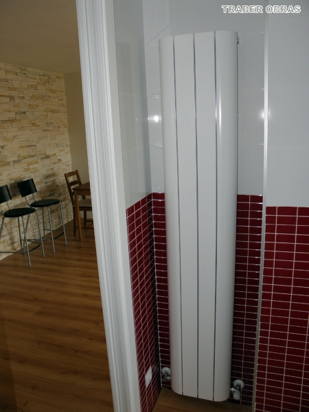 Foto cocina radiador para espacios reducidos de traber for Cocinas para espacios pequenos