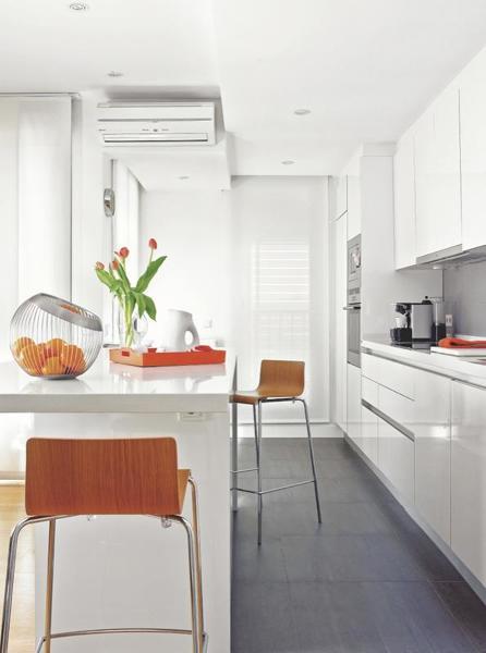 Foto cocina tipo ikea con isla de maribel mart nez for Ikea gabinetes de cocina