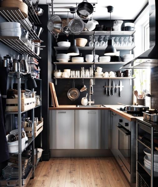 Foto cocina industrial con cacerola de elenatorrente d az for Cacerolas industriales