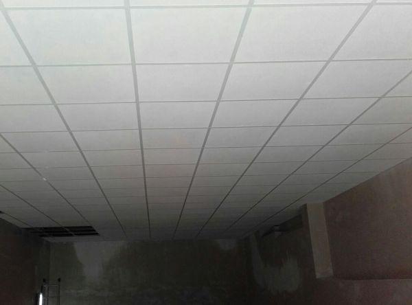 Foto colocaci n de falso techo registrable de gob construcciones y proyectos sl 1010330 - Como colocar falso techo de pladur ...