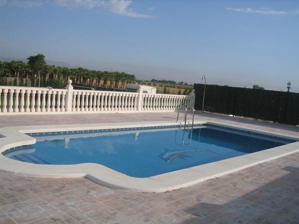 Foto construcci n de piscina de ativar siglo xxi s l for Piscina siglo xxi