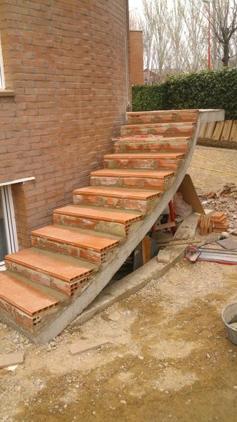 Foto Construcci N Escalera Jard N De Construcciones Y