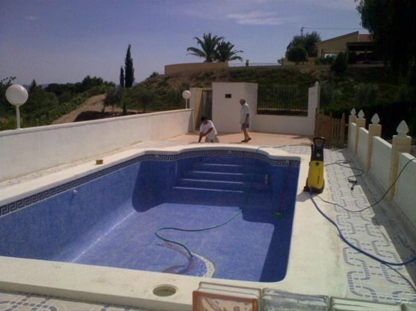 Foto corcho proyectado en suelo de piscinas de ym proyect 1052900 habitissimo - Suelos para piscinas ...