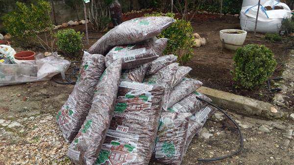 Foto corteza de pino decoracion de mantenimientos - Corteza de pino ...