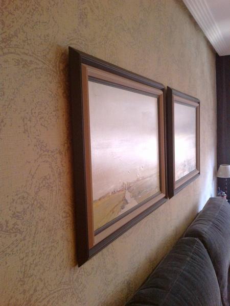 Foto cuadros sobre papel pintado de serranos studio - Papel pintado sobre gotele ...