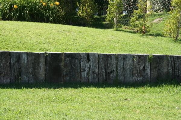 Foto tapar desnivel jardin 809913 habitissimo for Muro de separacion jardin