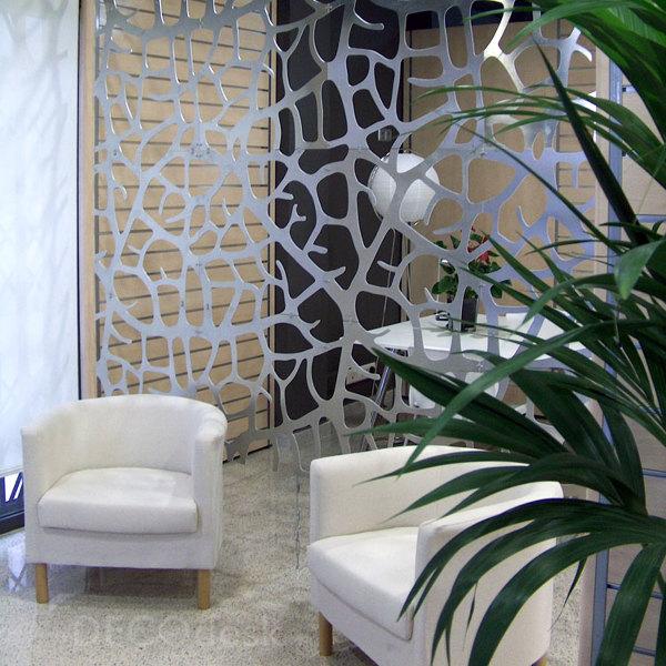 decoración oficina: celosías metálicas