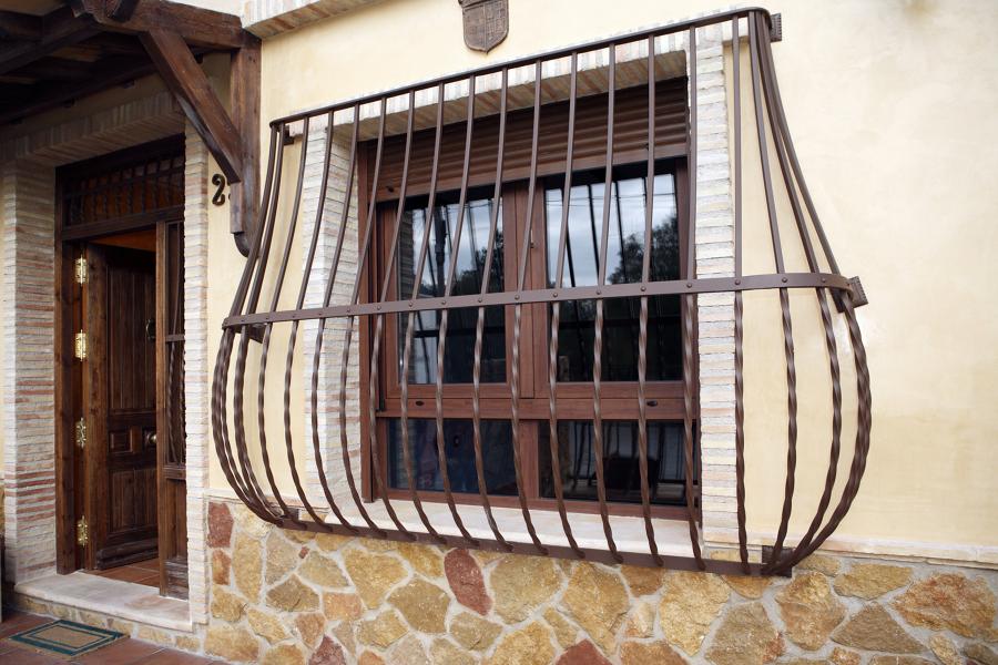 Foto decoracion rustica fachada de obras servicios y - Decoracion de fachadas ...