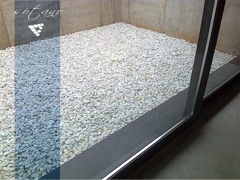 Foto detalle de patio ingl s en s tano realizada en albal - Patio ingles ...