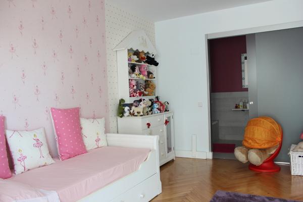 Foto dormitorio infantil mobiliario de castshine 855584 for Mobiliario dormitorio infantil