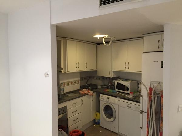 Foto el techo de cocina antes de pintar de reformas de c for Pintar techo cocina