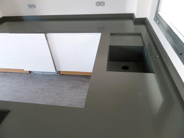 Bancada de cocina en silestone cemento spa proyectos - Encimeras de cemento ...