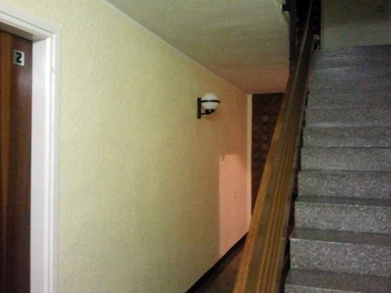 Foto escalera comunidad de masquepintura 269779 for Apliques para escaleras de comunidad