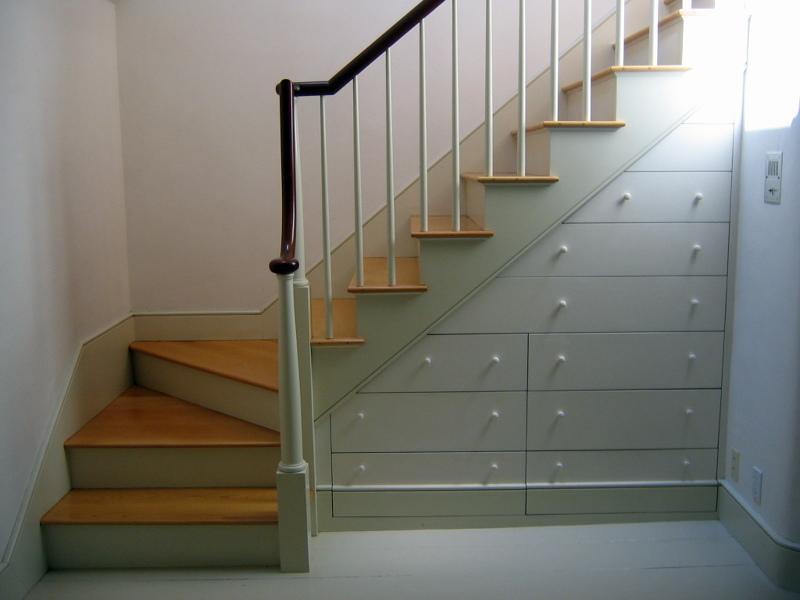 Foto escalera integrada con mueble de aisape eraikuntzak for Mueble de escalera