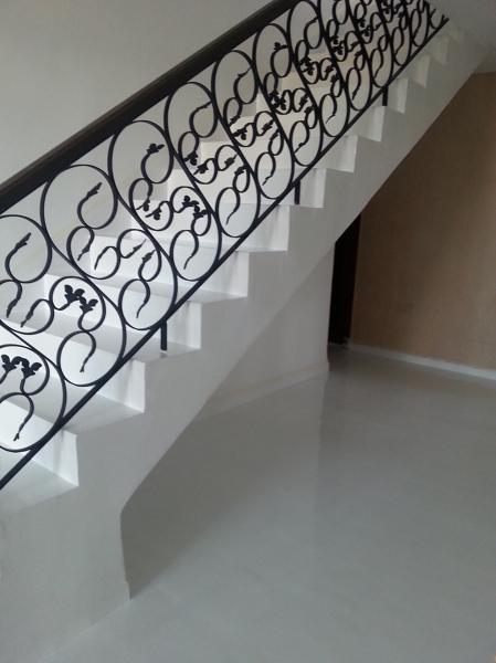 Foto escalera y suelo de microcemento cordoba 795630 habitissimo - Microcemento cordoba ...