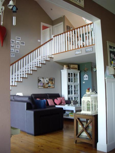 Foto escaleras de carpenter house construcci n de casas - Casas americanas por dentro ...