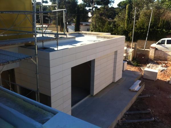 Foto fachada con piedra caliza apomazada de aplacados - Piedra caliza para fachadas ...