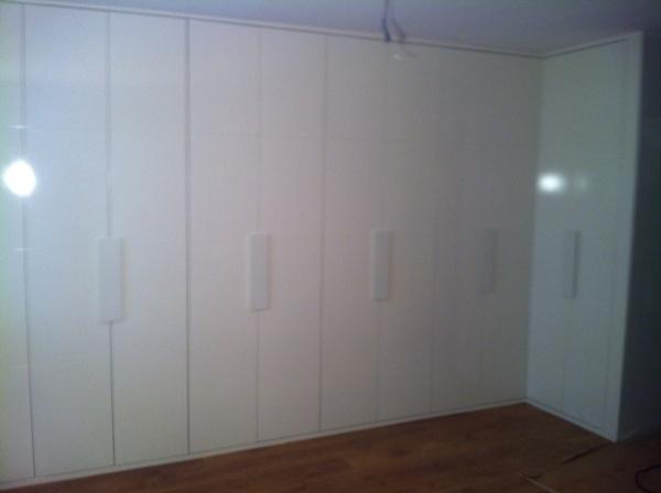 Foto frente de armario abatible puertas lacadas en blanco - Armarios lacados en blanco ...