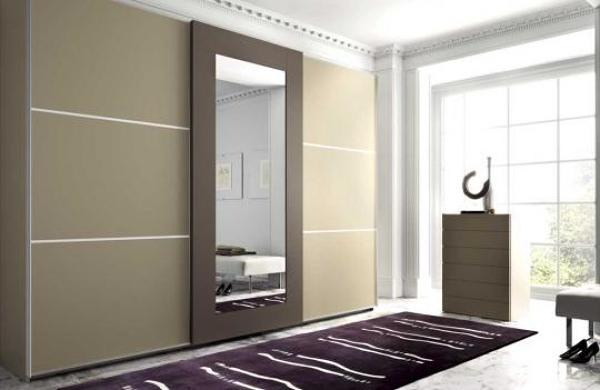 Foto frente de armario con espejo de ebanistamadrid for Roperos empotrados para dormitorios con espejo