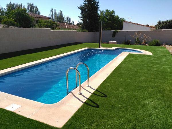 Foto gesprodex instalacion de cesped artificial alrededor de piscina en chalet toledo 1 de - Cesped artificial piscina ...