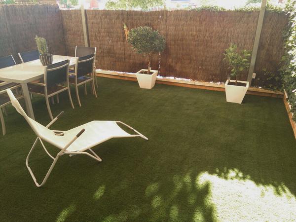 Foto Gesprodex Instalacion De Cesped Artificial En Terraza De - Cesped-artificial-barato-para-terrazas