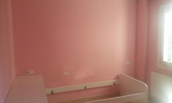 Foto habitacion ni a con humedad de pinturas plaza - Humedad ideal habitacion ...