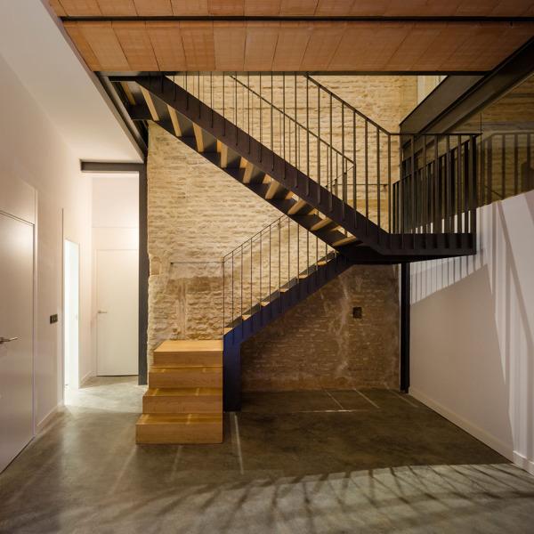Foto hueco de escalera de ladrillo visto de lola mulledy - Escaleras de ladrillo ...
