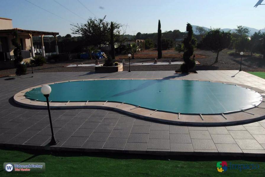 Foto instalacion de lona de piscina cobertor de invierno de impacto 149180 habitissimo - Cobertor piscina invierno ...