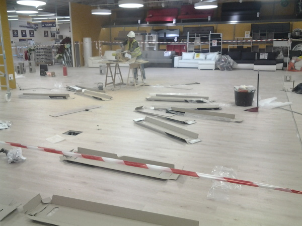 Foto instalaci n de parquet de construplac mallorca for Instalacion de parquet