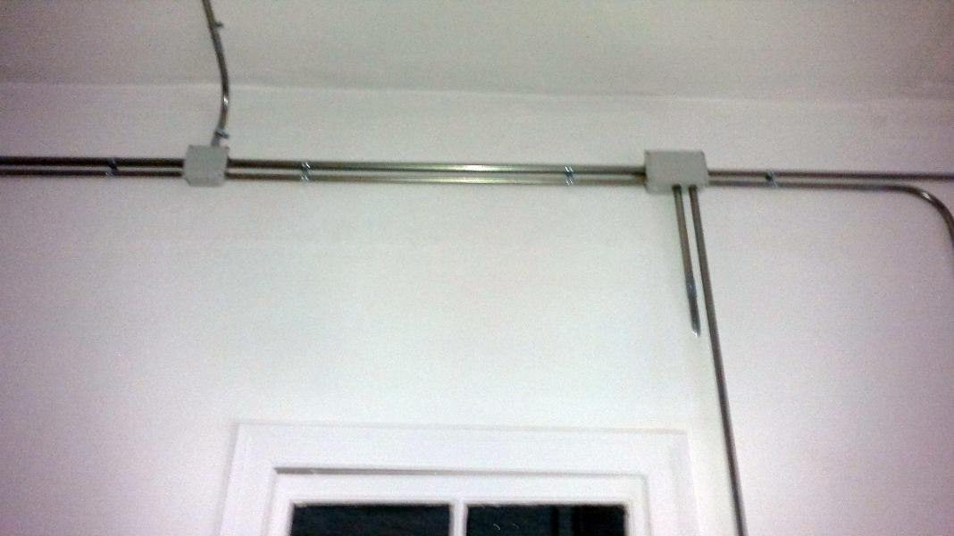 Instalacion electrica en tubo metalico superficie proyectos electricistas - Instalacion electrica superficie ...