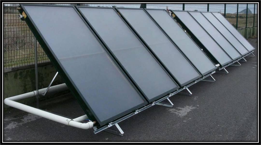 Foto instalaci n en bateria de placas solares termicas for Baterias placas solares